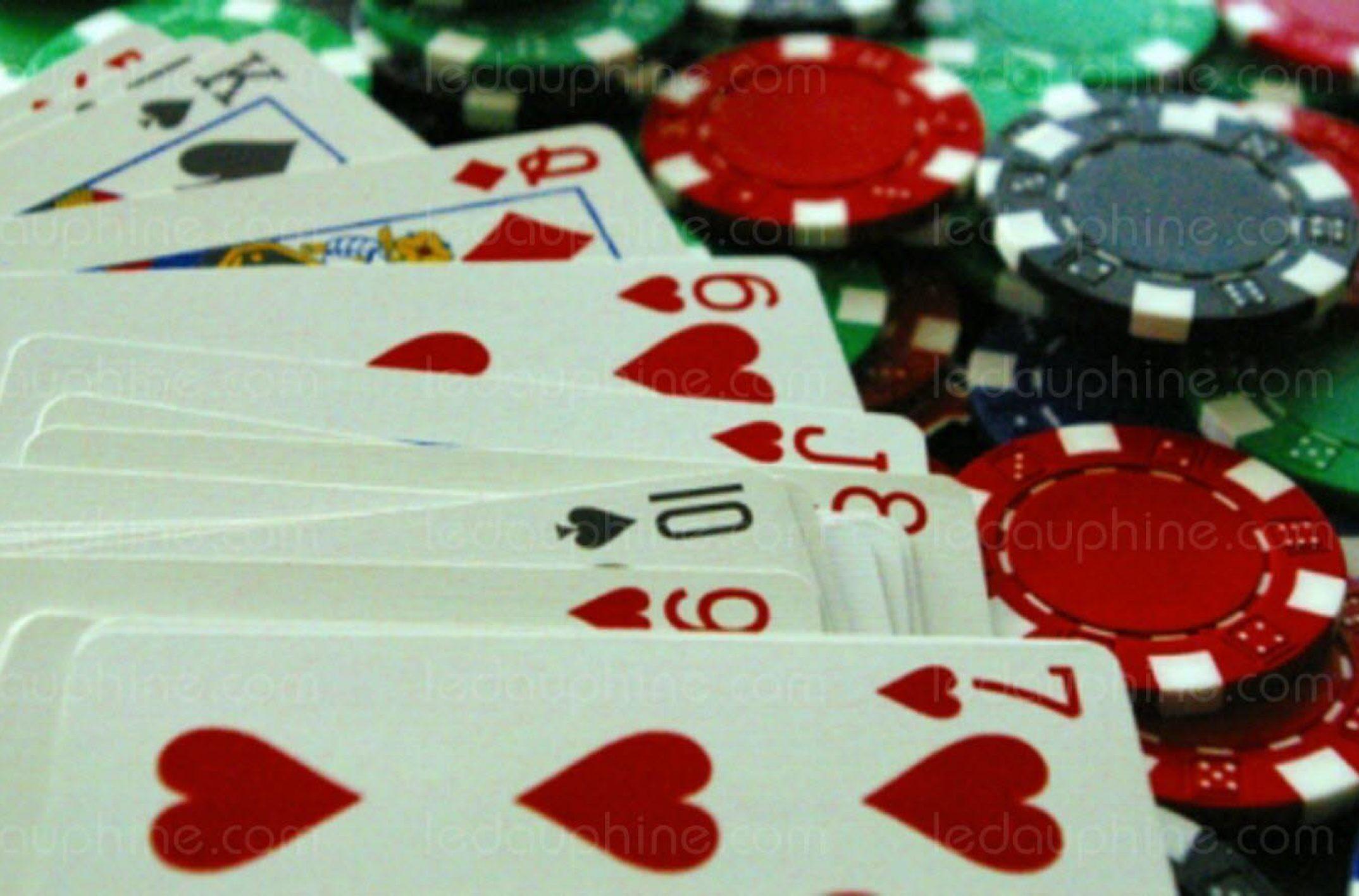 jouer au poker entre amis en ligne