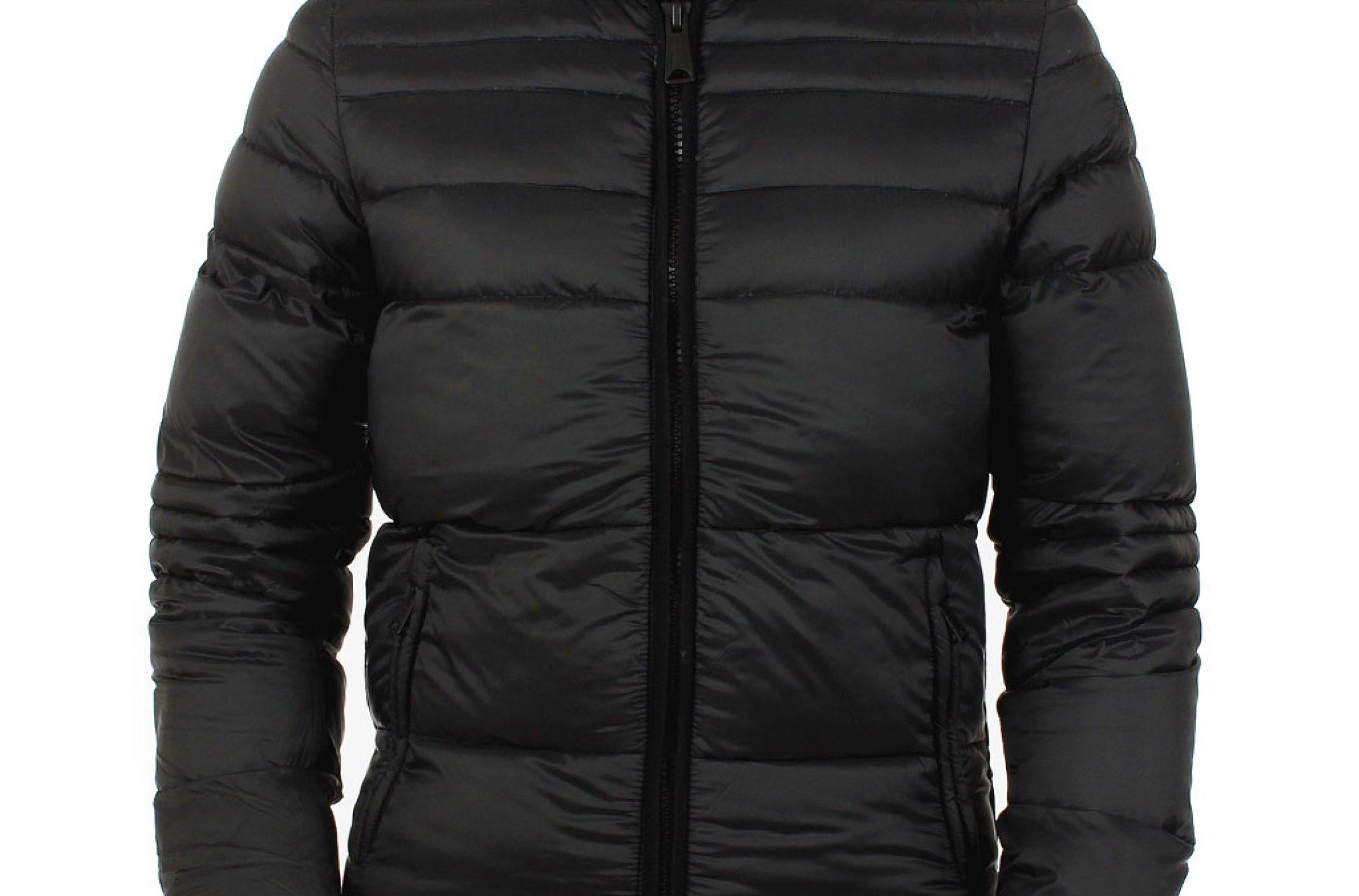 La veste cuir schott c'est le symbole du rebelle incarné par Marlon Brando