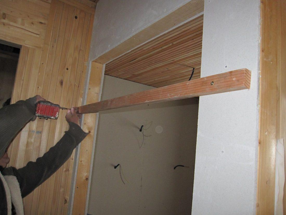 Comment fixer une porte ?