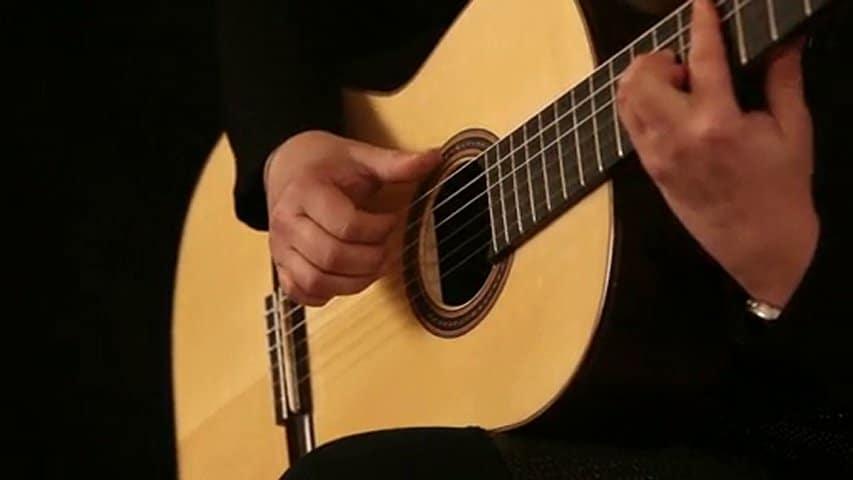 la meilleure guitare pour commencer