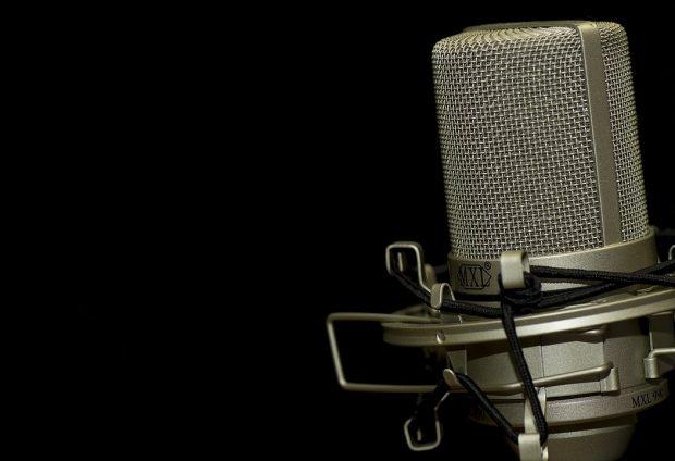 Dans quelles pubs radio et pub tv entend-t-on la meilleure voix off féminine ?