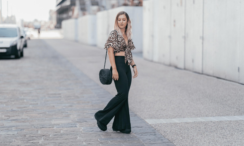 Pantalon pattes d'eph : obsolète ou toujours à la mode ?